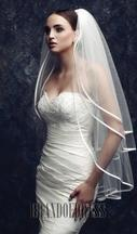 New With Tags/ Unaltered Off White Veil 1