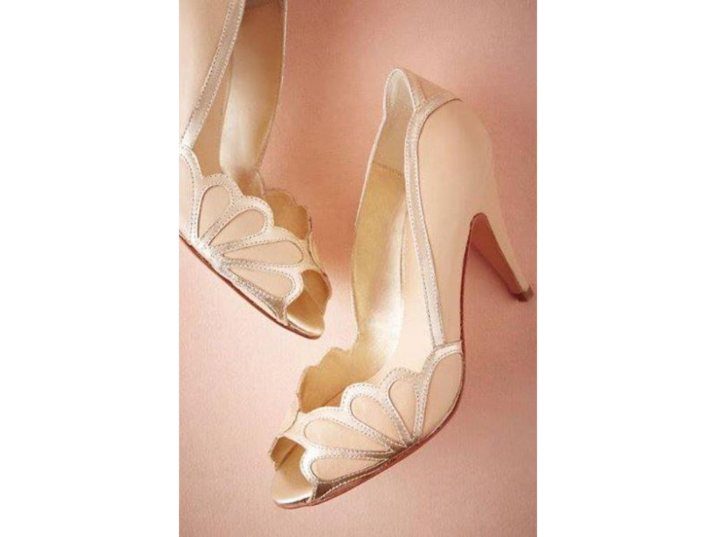 3664cc6bf Pin it · New (Un-Altered) Champagne Shoes