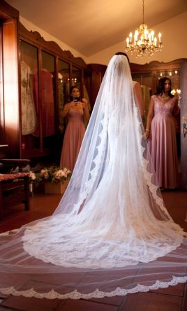Used Bel Aire Bridal Veil 250