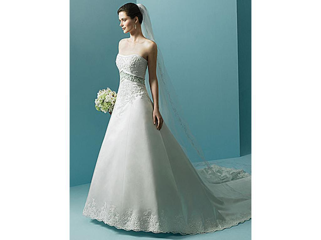 Alfred Angelo 1708, $200 Size: 14   New (Un-Altered) Wedding Dresses