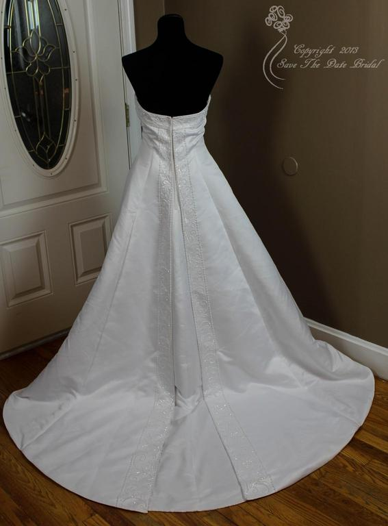 David 39 s bridal gloria vanderbilt 145 size 10 used for Gloria vanderbilt wedding dress