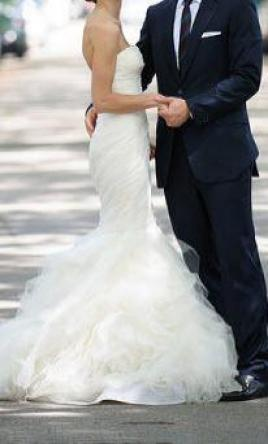 Vera Wang Gemma , $2,000 Size: 4 | Used Wedding Dresses