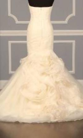 Vera wang wedding dresses for sale preowned wedding dresses for Used vera wang wedding dress