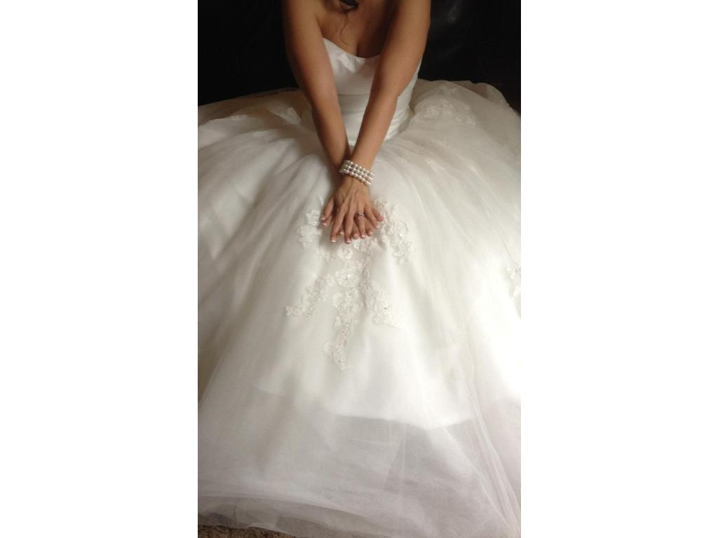 Alfred Angelo $600 Size: 8