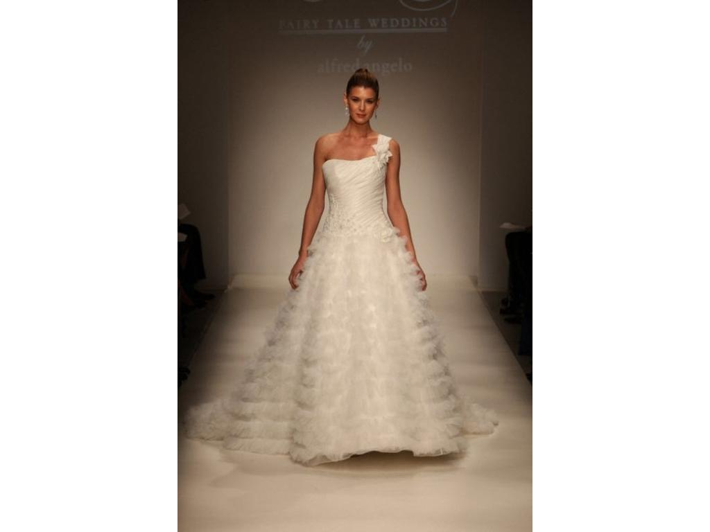 Alfred angelo sleeping beauty 500 size 14 used for Wedding dresses for 500 or less