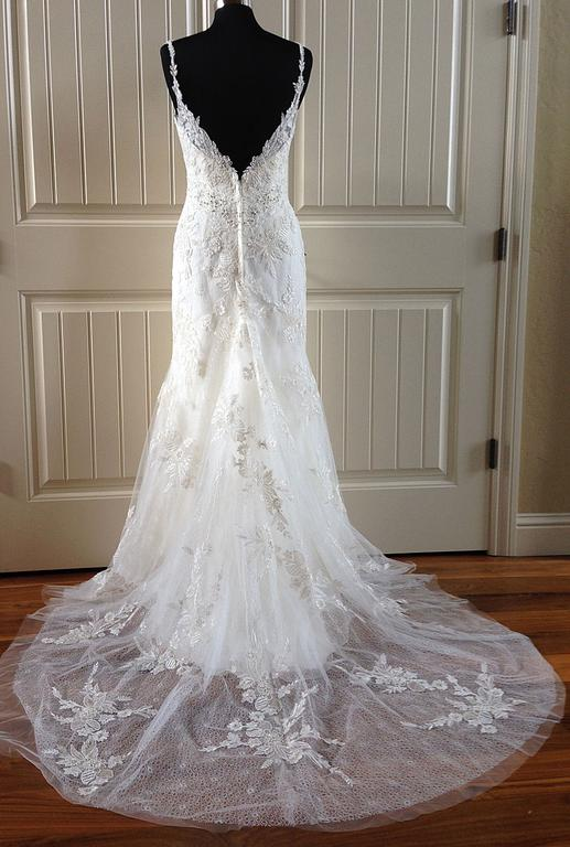 Casablanca 2153, $799 Size: 10 | New (Un-Altered) Wedding Dresses