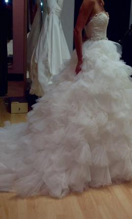 Vera wang white 499 size 10 used wedding dresses for Used wedding dresses west palm beach