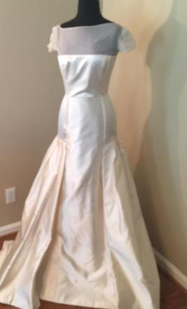 Le spose di gio o 68 550 size 10 sample wedding dresses for Di gio wedding dress prices