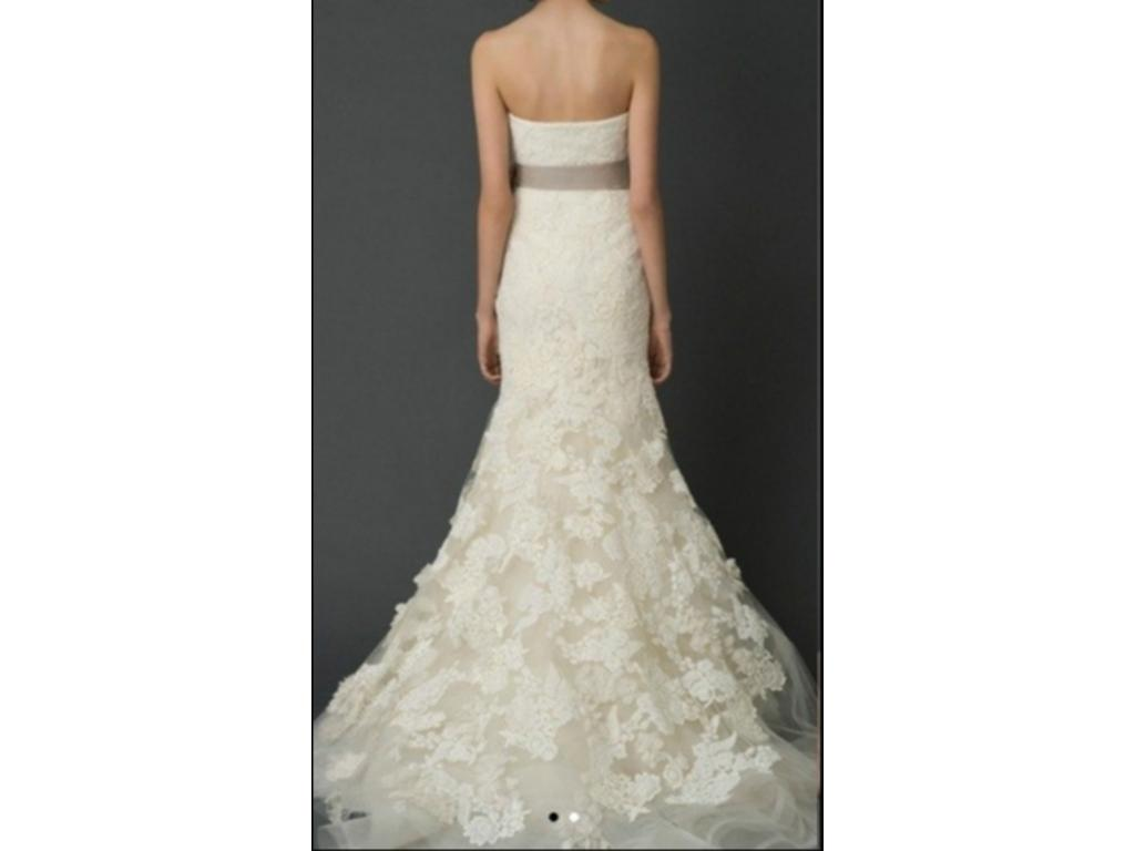Vera wang hilary 3 150 size 8 used wedding dresses for Used vera wang wedding dresses