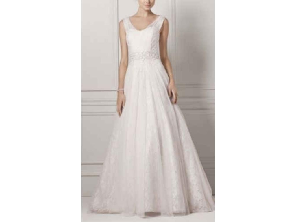 Oleg cassini cwg530 500 size 0 used wedding dresses for Used wedding dress size 0