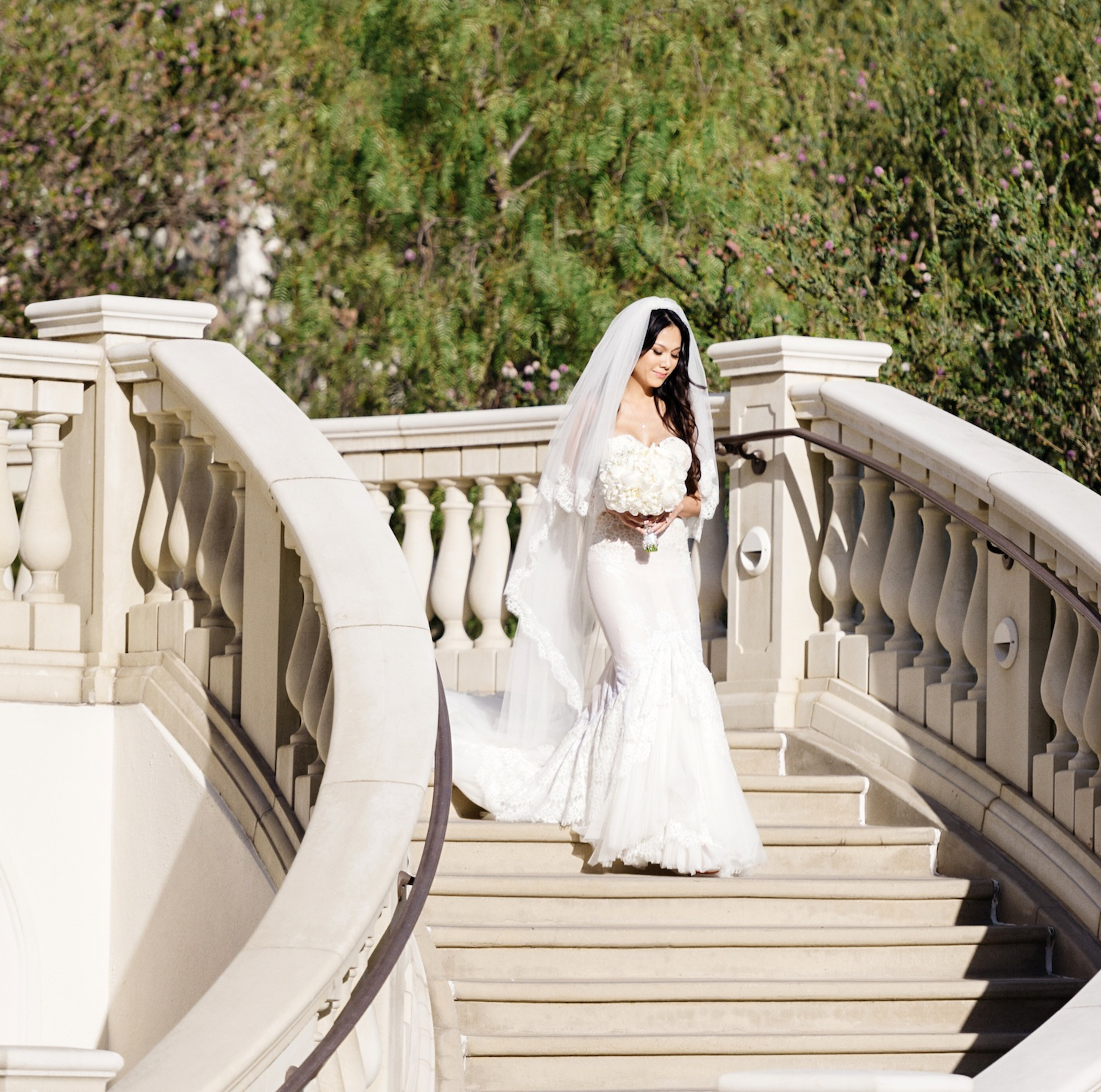 Inbal dror br 12 5 vip 6 800 size 0 used wedding dresses for Places to donate wedding dresses