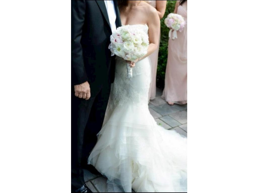 Vera wang fawn 1 750 size 4 used wedding dresses for Vera wang wedding dress used