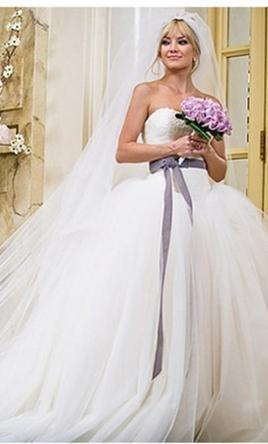 Vera Wang Kate Hudson's dress in Bride Wars 10