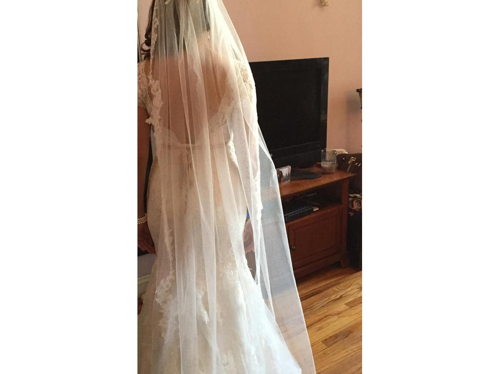 Maggie sottero veda 399 size 12 used wedding dresses for Best place to buy used wedding dresses