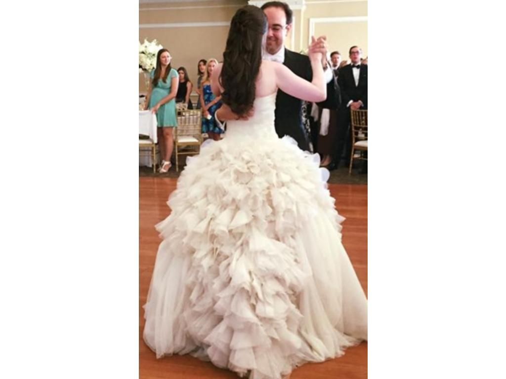 Vera wang hayley 2 000 size 6 used wedding dresses for Vera wang wedding dress for sale
