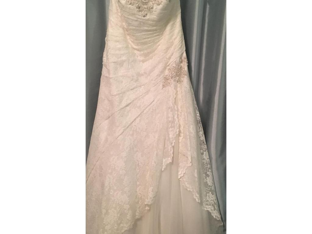 18d60fc331ad David's Bridal Venetian style 9YP3344 ivory Corset back, $650 Size ...