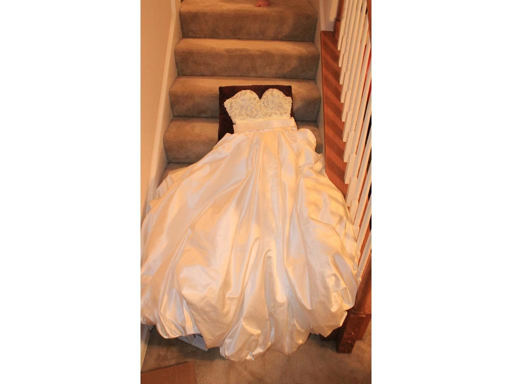 Other elihav sasson haute couture 3 000 size 12 for Haute couture sale