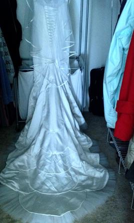 Matthew christopher lalique 1 200 size 4 used wedding for Matthew christopher wedding dress prices