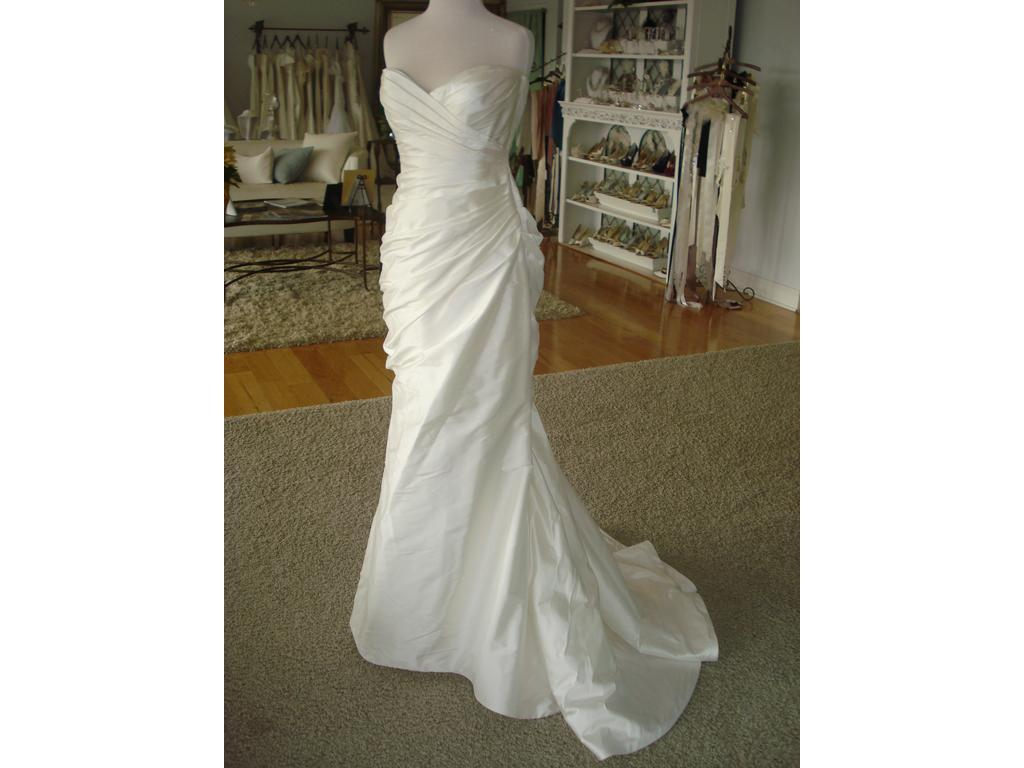 Romona keveza l111 900 size 10 new altered wedding for Wedding dress shades of white