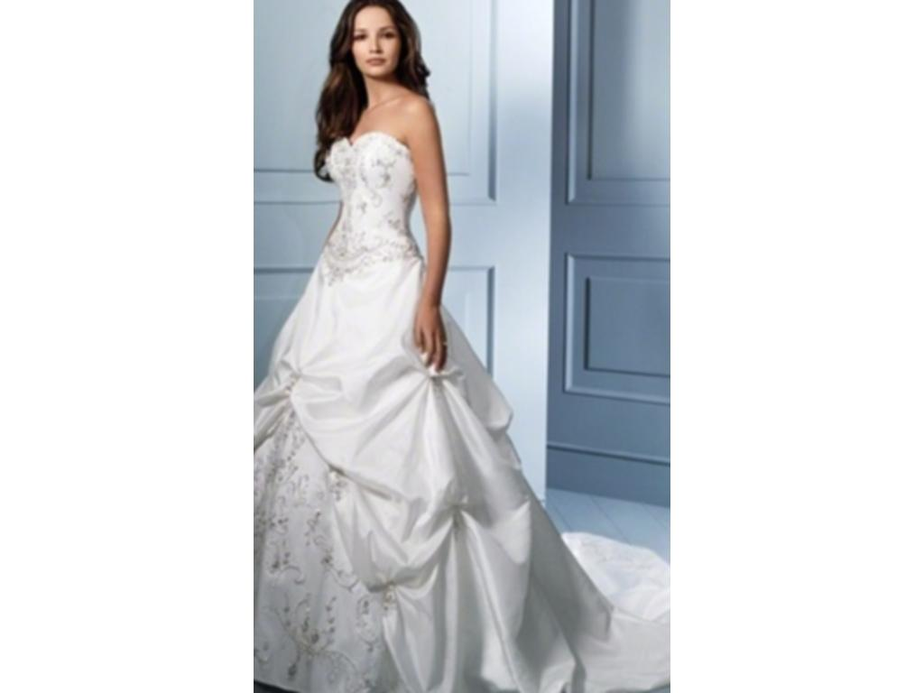 Alfred Angelo 758C, $800 Size: 16W | New (Altered) Wedding Dresses