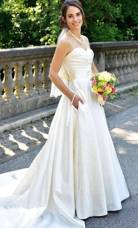Allure Bridals 8919, $175 Size: 4 | Used Wedding Dresses