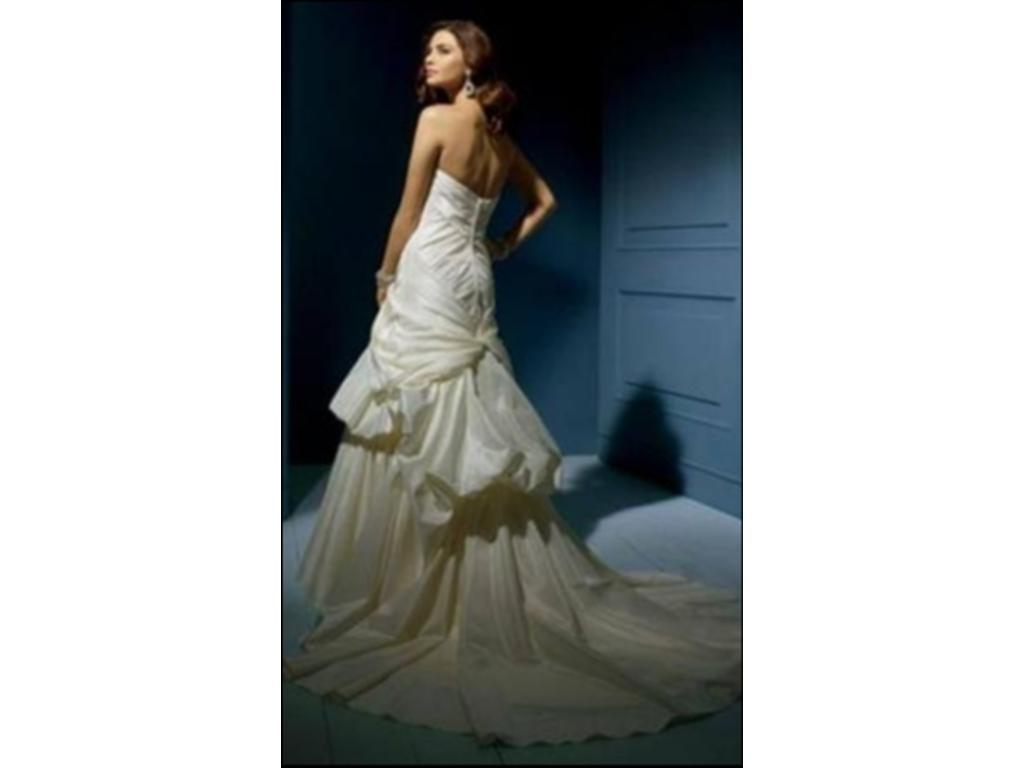 Alfred Angelo 852C $165 Size 10