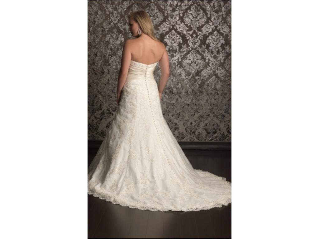 Used Wedding Gowns: Allure Bridals W311, $720 Size: 24