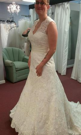 Allure bridals 9220 1 075 size 16 sample wedding dresses for Wedding dresses for tall plus size
