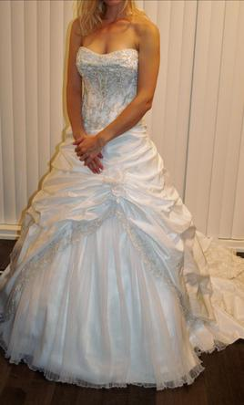 Private label by g 500 size 6 new un altered wedding for Private label wedding dress