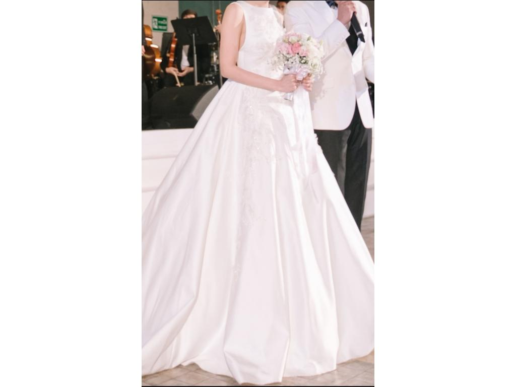 Elie saab aldabra 5 900 size 0 used wedding dresses for Used wedding dress size 0