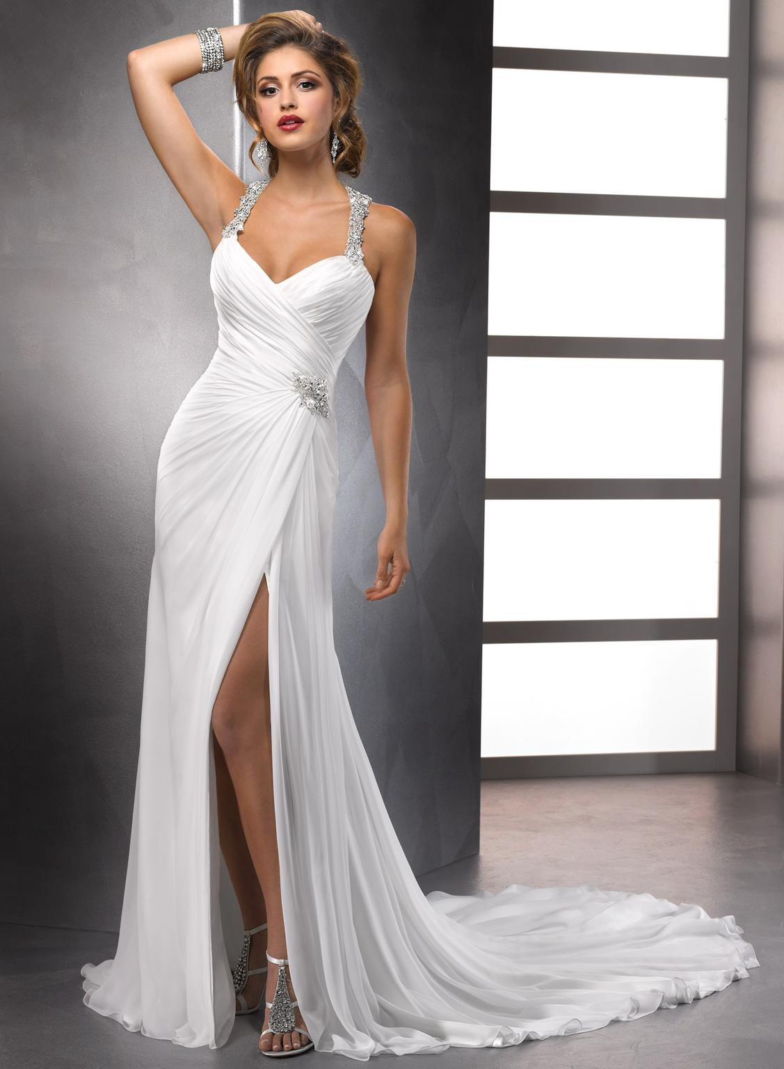 Maggie Sottero Fit To Flare Delanie White 2014