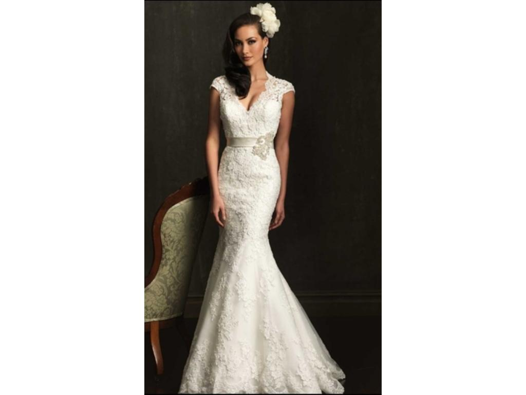 Allure Bridals 9064, $679 Size: 10 | New (Un-Altered) Wedding Dresses