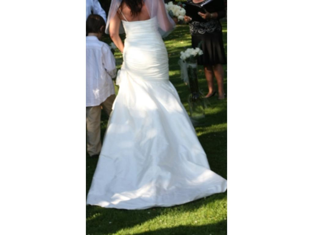 Private collection 02 4849 800 size 8 used wedding for Used wedding dresses victoria bc