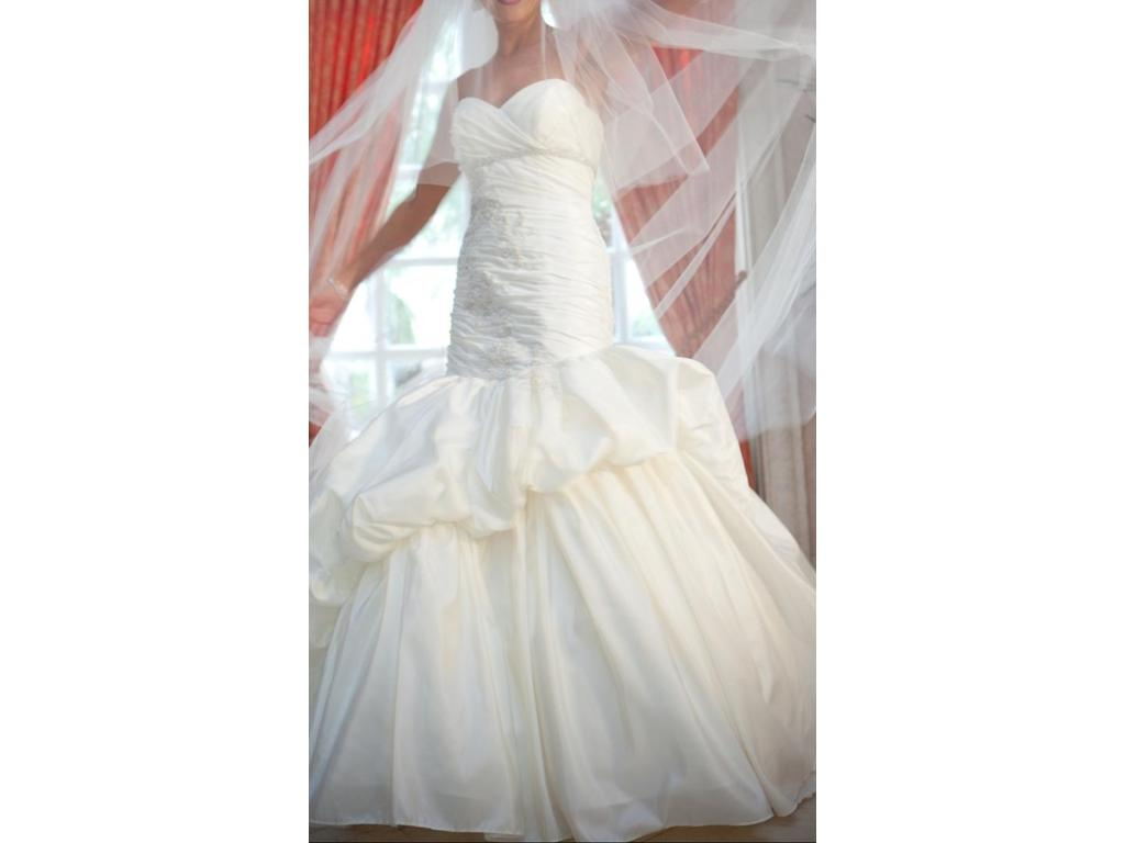 Winnie couture camille 9110 1 500 size 4 used wedding for Used wedding dresses west palm beach