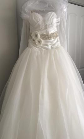 Alfred Angelo Snow Whites Fairy Tale Bridal Gown Style 250 300 Size 2