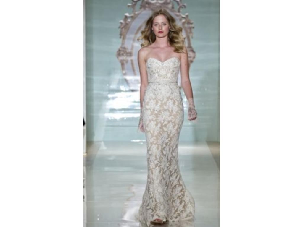 Reem Acra In Style Girl, $2,500 Size: 6 | Used Wedding Dresses