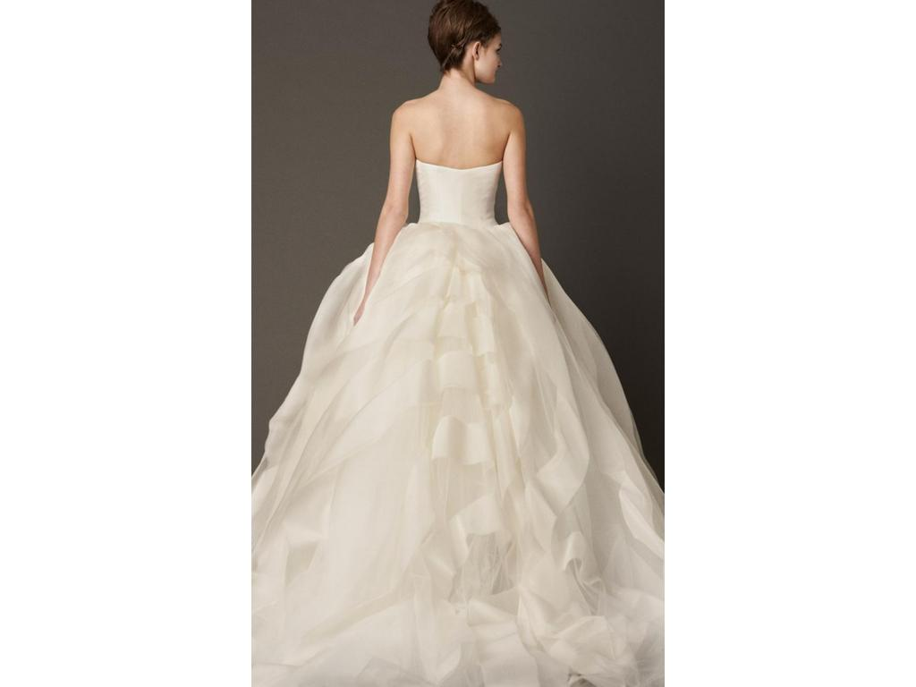 Vera wang liesel 2 400 size 8 used wedding dresses for Used vera wang wedding dresses