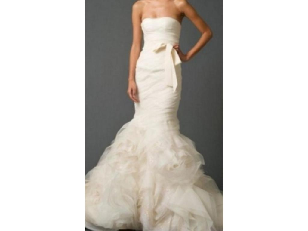 Vera wang gemma 3 000 size 4 used wedding dresses for Used vera wang wedding dress