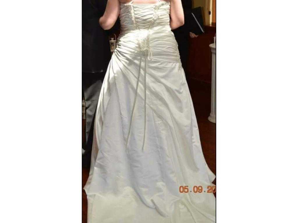Mori lee 3121 300 size 20w used wedding dresses for Wedding dresses less than 300