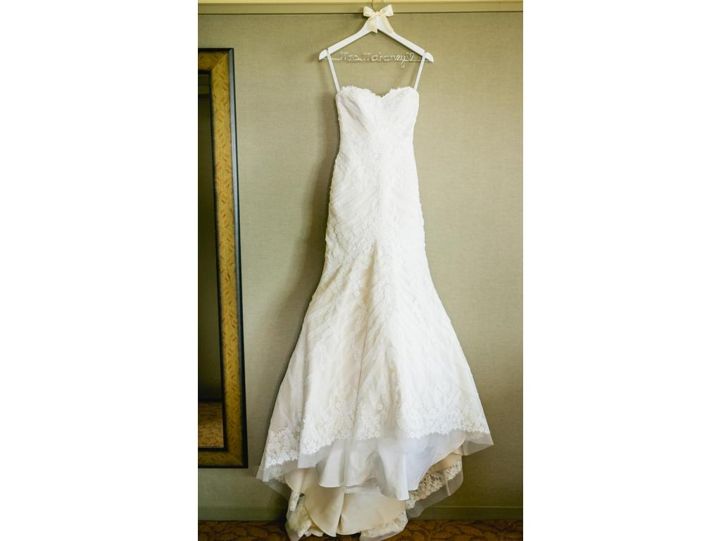 Matthew christopher sofia 1 800 size 6 used wedding for Matthew christopher wedding dress prices