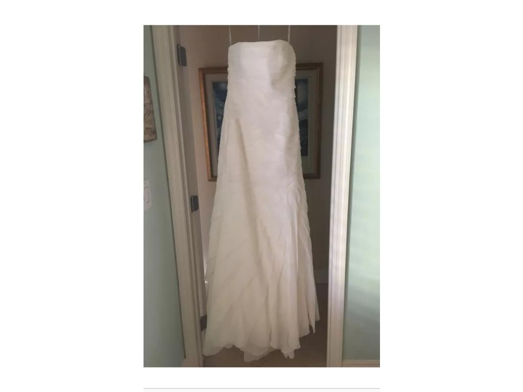 Vera wang white white by vera wan chiffon strapless for Wedding dresses for 500 or less