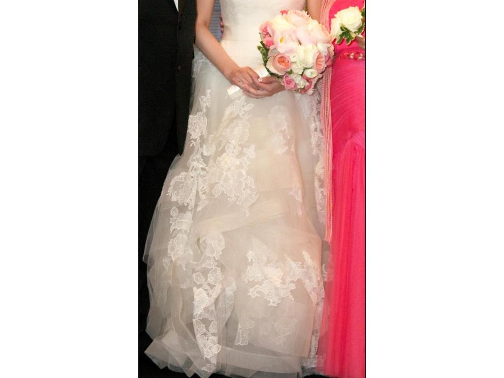 Vera wang helena 2 800 size 8 used wedding dresses for Vera wang wedding dress for sale