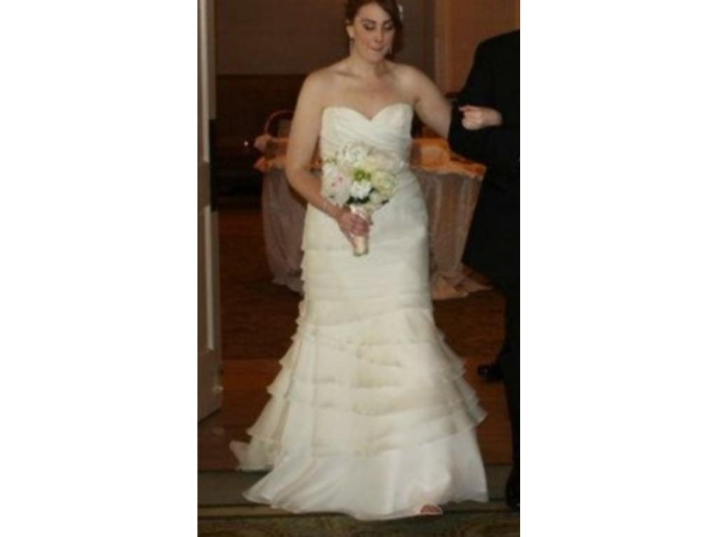 Judd waddell 950 size 16 used wedding dresses for Wedding dresses for size 16