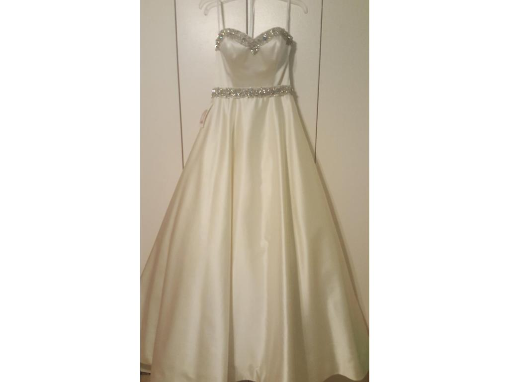 Wedding Dresses For USD 800 : Other ballgown buy this dress for a fraction of the salon price on