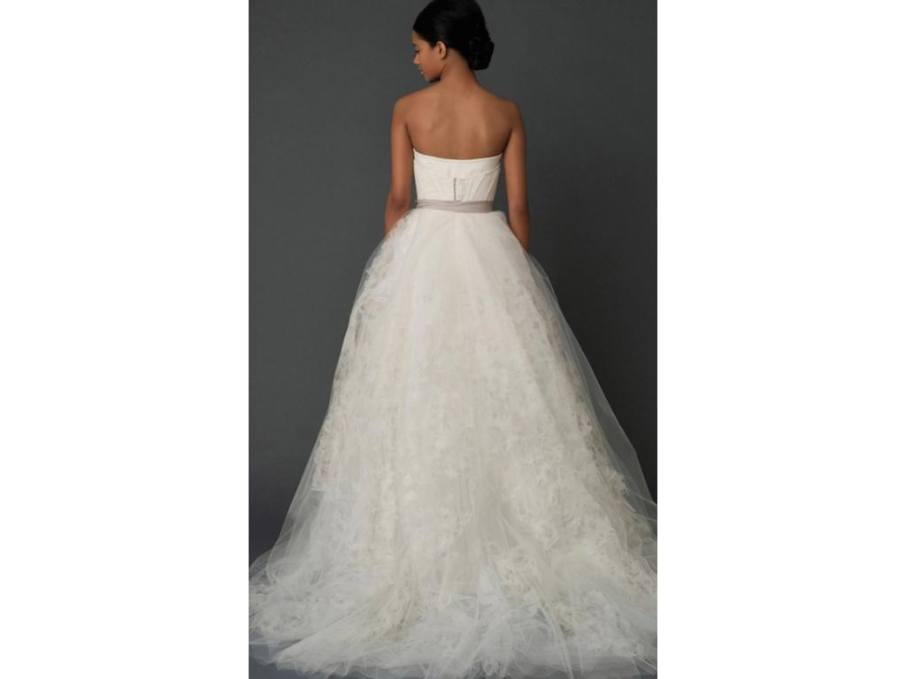 Vera wang hannah 3 600 size 2 used wedding dresses for Used vera wang wedding dresses