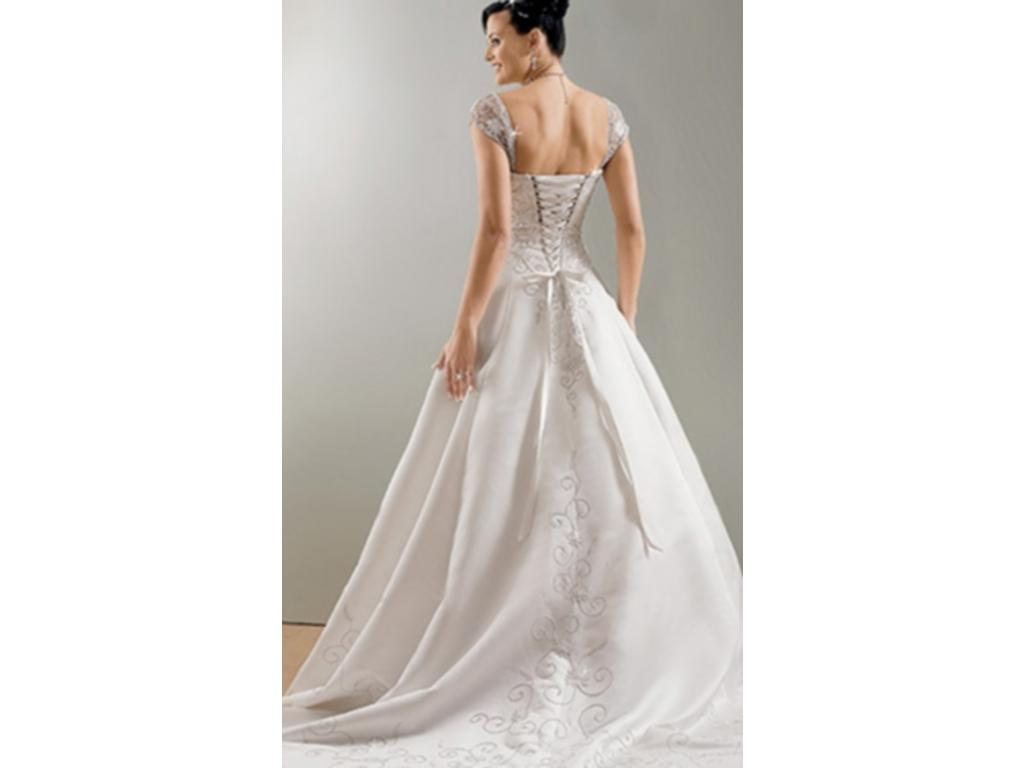 Maggie sottero 450 size 16 used wedding dresses for Wedding dresses for size 16