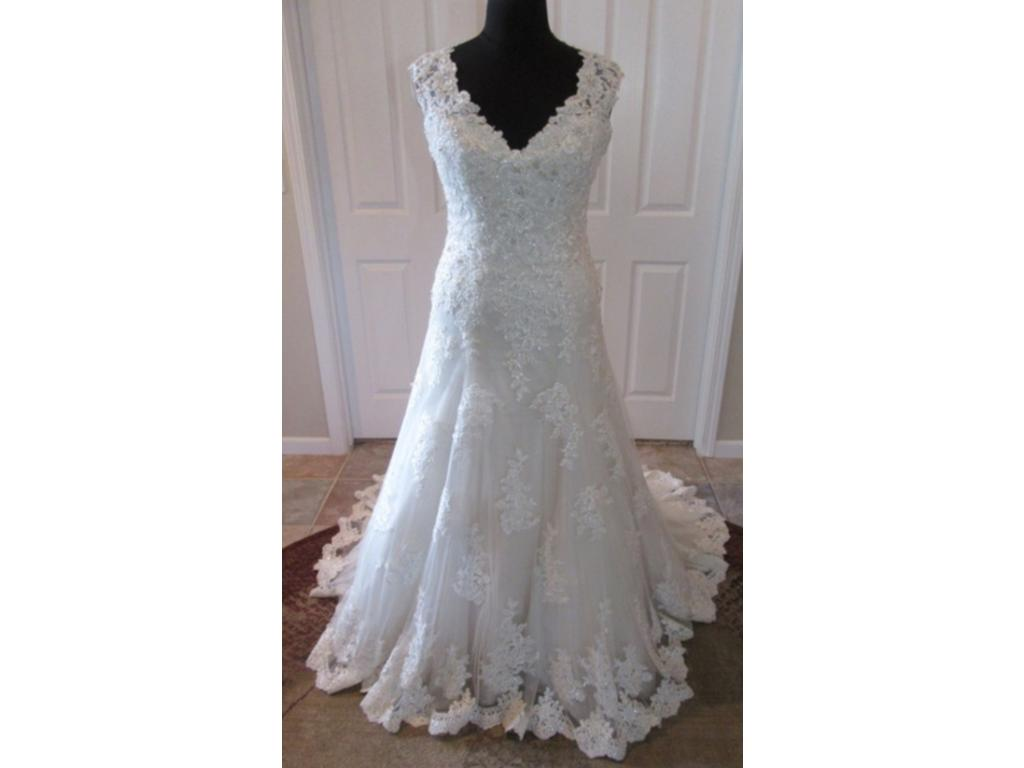 Mori lee 2785 879 size 16 new un altered wedding for Where to buy mori lee wedding dresses