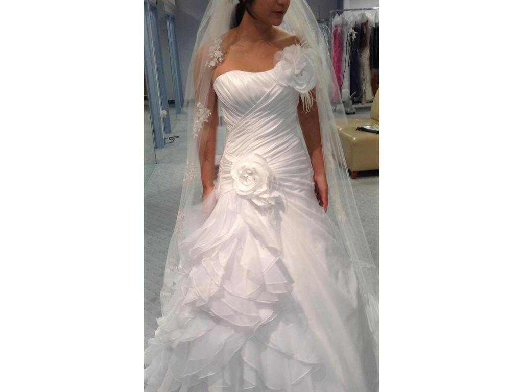 Alfred Angelo Style 210 From Disney Fairy Tale Bridal 680 Size 4