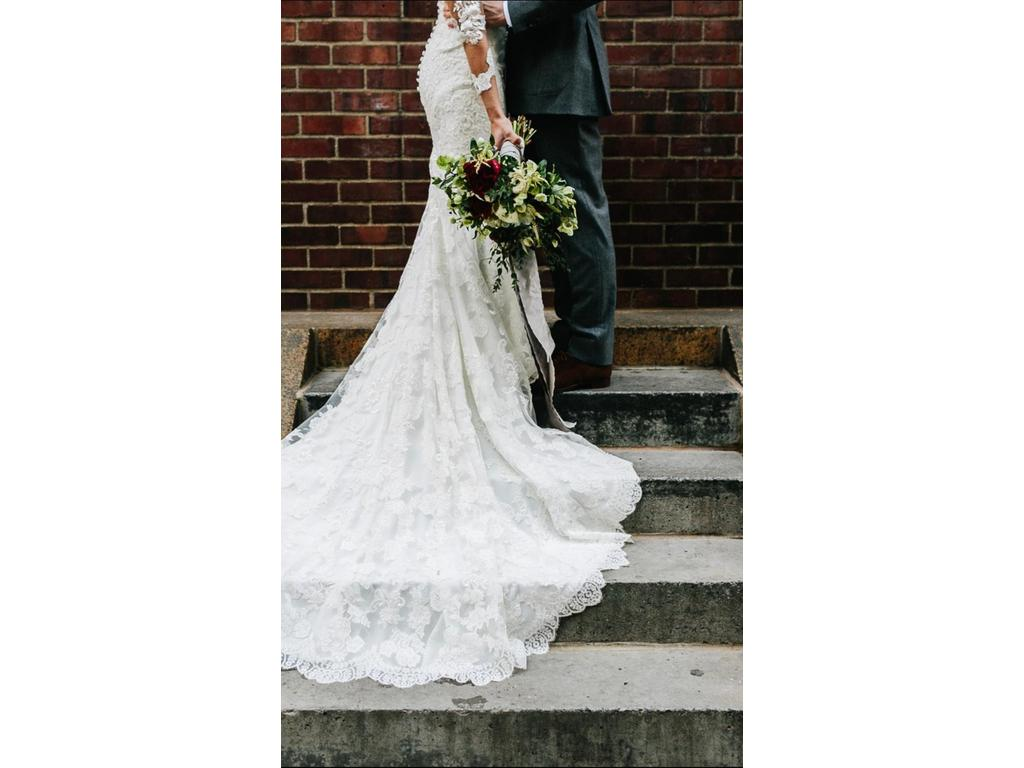 Used Wedding Gowns: Pronovias PRUNELLE 2016, $1,850 Size: 00