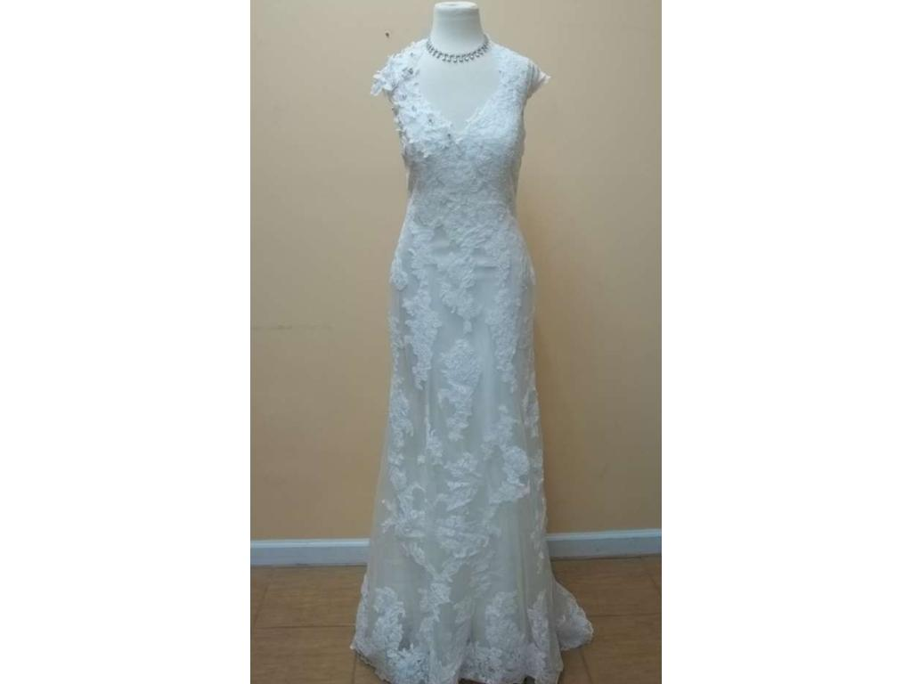 Alfred Angelo 8516, $500 Size: 12 | New (Un-Altered) Wedding Dresses